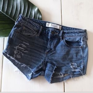 Abercrombie & Fitch Distressed Cut Off Shorts